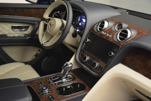 Used 2018 Bentley Bentayga W12 Signature for sale $169,900 at Aston Martin of Greenwich in Greenwich CT 06830 27