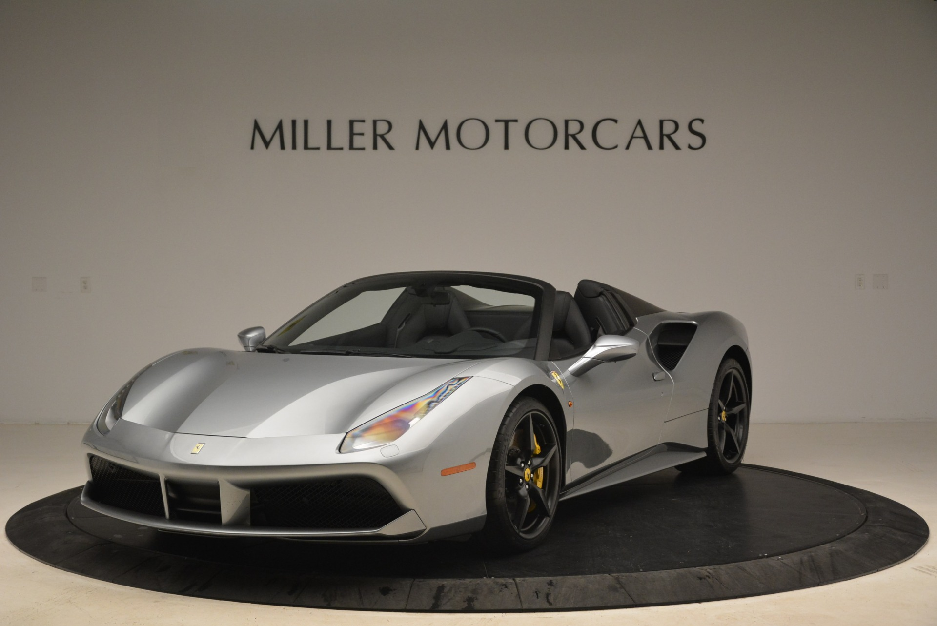 Used 2018 Ferrari 488 Spider for sale $274,900 at Aston Martin of Greenwich in Greenwich CT 06830 1