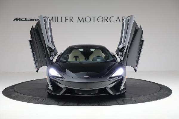 New 2018 McLaren 570S Spider for sale Sold at Aston Martin of Greenwich in Greenwich CT 06830 21