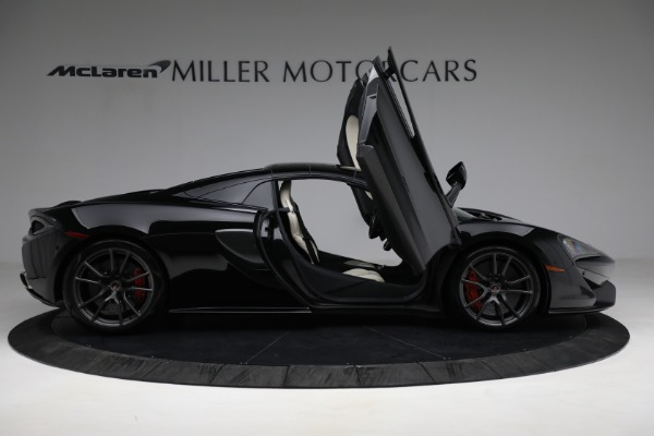 New 2018 McLaren 570S Spider for sale Sold at Aston Martin of Greenwich in Greenwich CT 06830 27