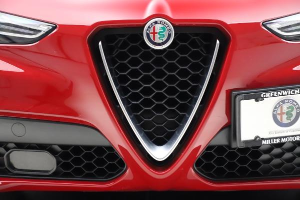 Used 2018 Alfa Romeo Stelvio Sport Q4 for sale Sold at Aston Martin of Greenwich in Greenwich CT 06830 13