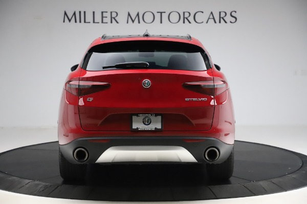 Used 2018 Alfa Romeo Stelvio Sport Q4 for sale Sold at Aston Martin of Greenwich in Greenwich CT 06830 6