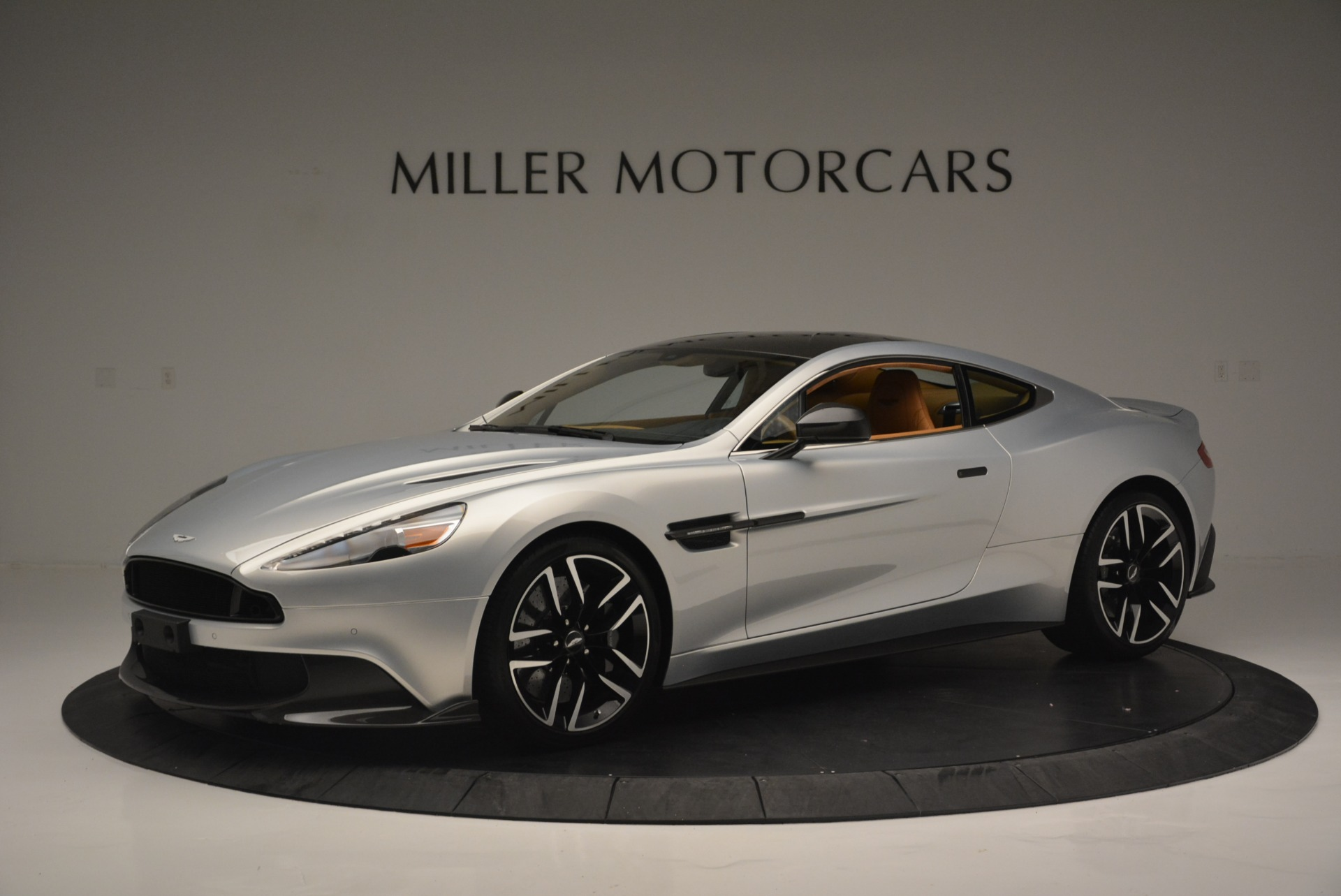 Used 2018 Aston Martin Vanquish S Coupe for sale Sold at Aston Martin of Greenwich in Greenwich CT 06830 1