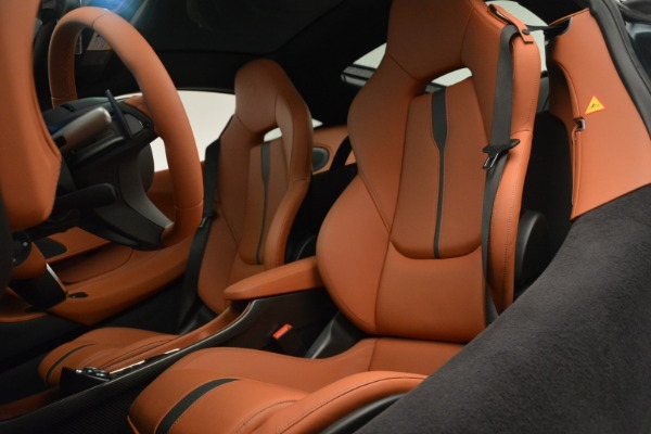 New 2018 McLaren 570GT Coupe for sale Sold at Aston Martin of Greenwich in Greenwich CT 06830 18