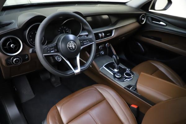 Used 2018 Alfa Romeo Stelvio Ti Q4 for sale $32,900 at Aston Martin of Greenwich in Greenwich CT 06830 13
