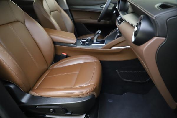 Used 2018 Alfa Romeo Stelvio Ti Q4 for sale $32,900 at Aston Martin of Greenwich in Greenwich CT 06830 24