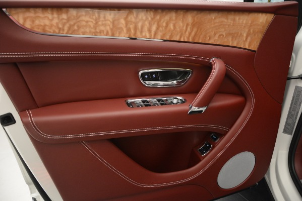 New 2019 Bentley Bentayga V8 for sale Sold at Aston Martin of Greenwich in Greenwich CT 06830 16