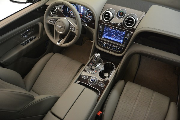 New 2019 Bentley Bentayga V8 for sale Sold at Aston Martin of Greenwich in Greenwich CT 06830 28