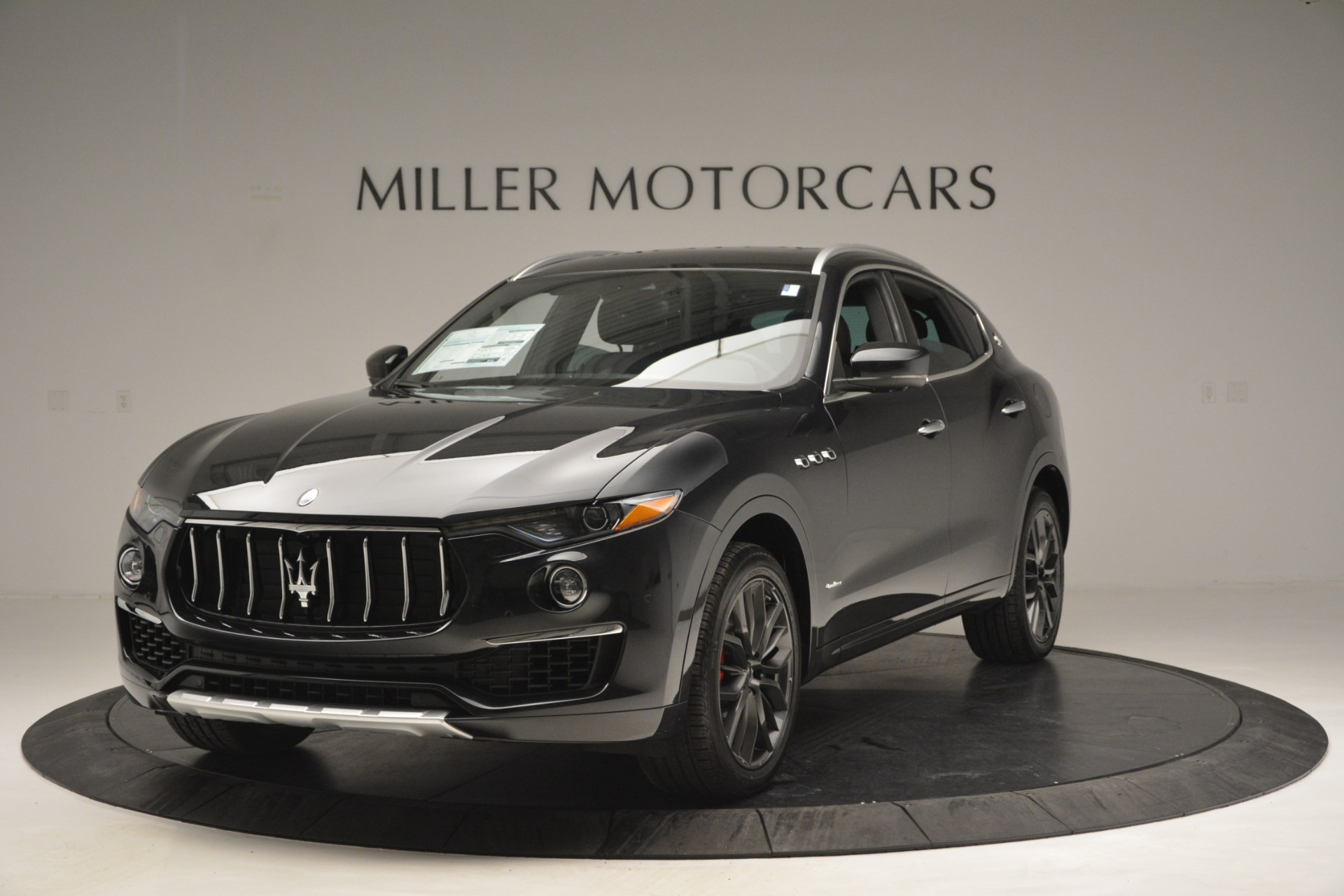 New 2019 Maserati Levante Q4 GranLusso for sale $86,940 at Aston Martin of Greenwich in Greenwich CT 06830 1
