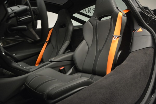 New 2019 McLaren 720S Coupe for sale $344,340 at Aston Martin of Greenwich in Greenwich CT 06830 20