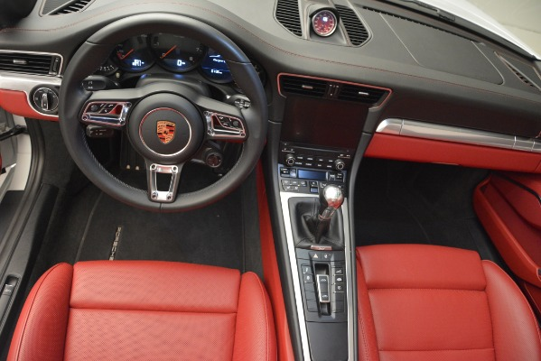 Used 2017 Porsche 911 Targa 4S for sale Sold at Aston Martin of Greenwich in Greenwich CT 06830 14