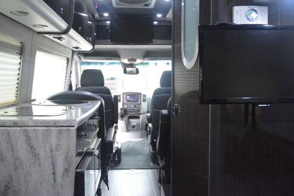Used 2014 Mercedes-Benz Sprinter 3500 Airstream Lounge Extended for sale Sold at Aston Martin of Greenwich in Greenwich CT 06830 22