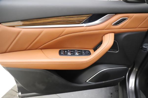 Used 2019 Maserati Levante Q4 GranLusso for sale Sold at Aston Martin of Greenwich in Greenwich CT 06830 17