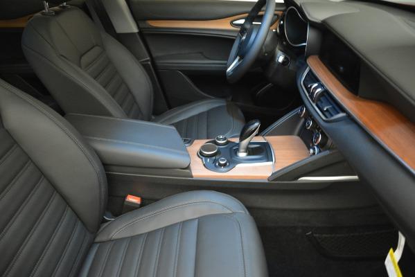 New 2018 Alfa Romeo Stelvio Ti Lusso Q4 for sale Sold at Aston Martin of Greenwich in Greenwich CT 06830 20