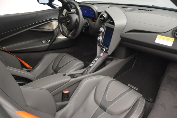 New 2019 McLaren 720S Coupe for sale $336,440 at Aston Martin of Greenwich in Greenwich CT 06830 18