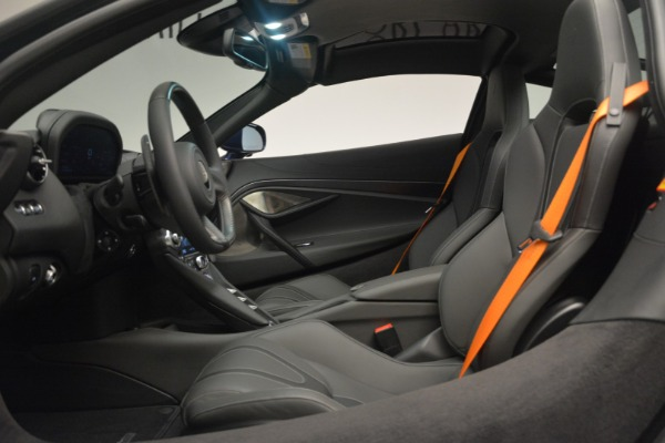 New 2019 McLaren 720S Coupe for sale $336,440 at Aston Martin of Greenwich in Greenwich CT 06830 19