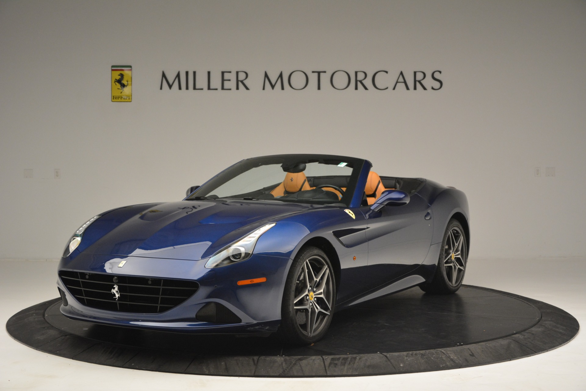 Used 2016 Ferrari California T for sale $155,900 at Aston Martin of Greenwich in Greenwich CT 06830 1