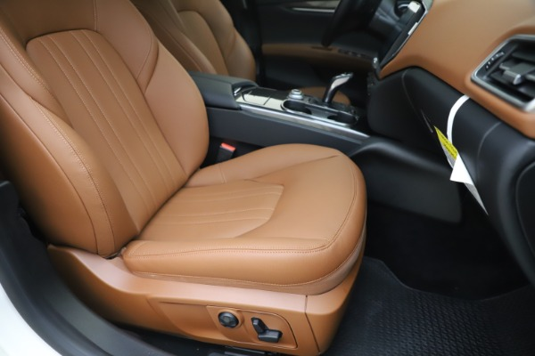 New 2019 Maserati Ghibli S Q4 for sale $91,630 at Aston Martin of Greenwich in Greenwich CT 06830 24