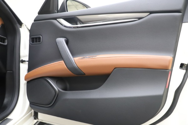 New 2019 Maserati Ghibli S Q4 for sale $91,630 at Aston Martin of Greenwich in Greenwich CT 06830 25