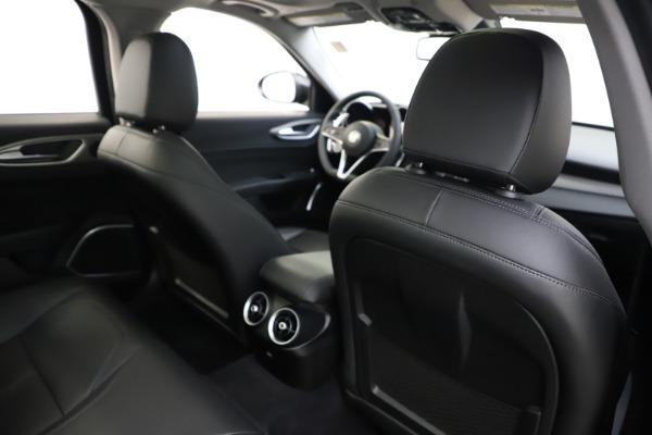 Used 2019 Alfa Romeo Giulia Sport Q4 for sale Sold at Aston Martin of Greenwich in Greenwich CT 06830 28