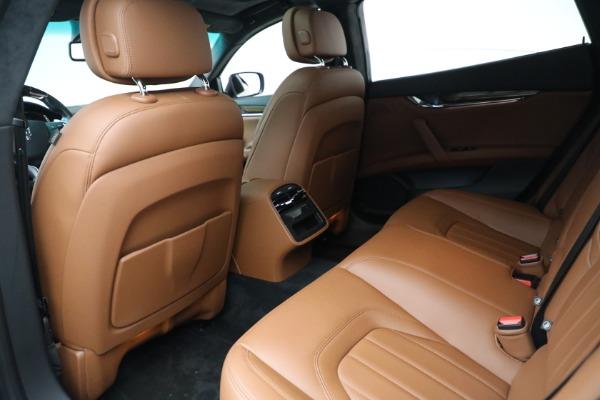 Used 2015 Maserati Quattroporte S Q4 for sale Sold at Aston Martin of Greenwich in Greenwich CT 06830 15