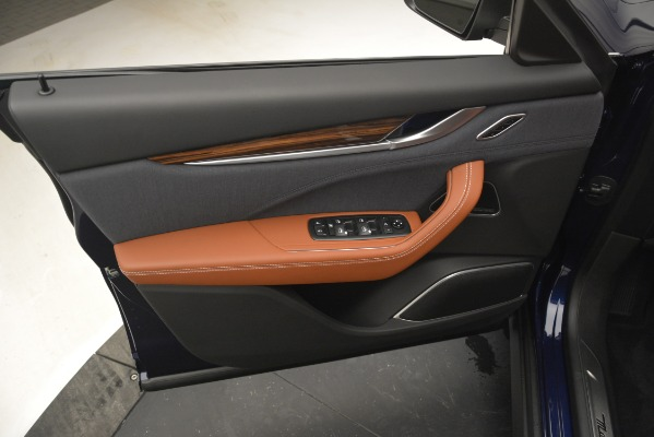 New 2019 Maserati Levante Q4 GranLusso for sale Sold at Aston Martin of Greenwich in Greenwich CT 06830 18