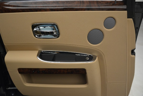 Used 2014 Rolls-Royce Ghost for sale Sold at Aston Martin of Greenwich in Greenwich CT 06830 19