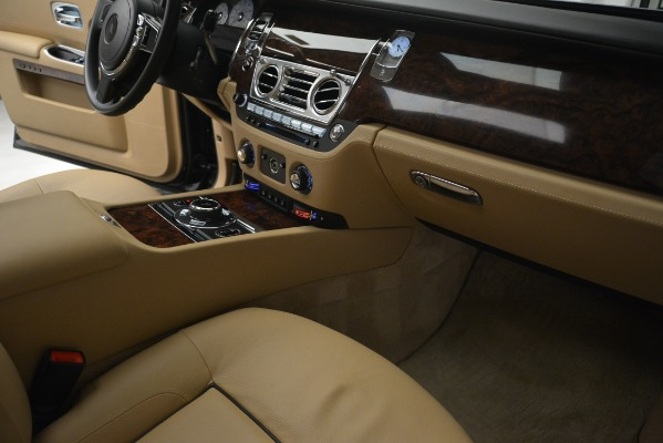 Used 2014 Rolls-Royce Ghost for sale Sold at Aston Martin of Greenwich in Greenwich CT 06830 26