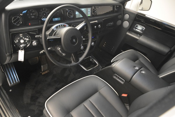 Used 2014 Rolls-Royce Phantom for sale Sold at Aston Martin of Greenwich in Greenwich CT 06830 15