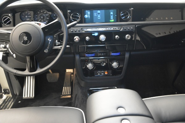 Used 2014 Rolls-Royce Phantom for sale Sold at Aston Martin of Greenwich in Greenwich CT 06830 22