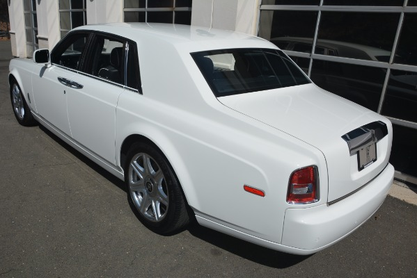 Used 2014 Rolls-Royce Phantom for sale Sold at Aston Martin of Greenwich in Greenwich CT 06830 5
