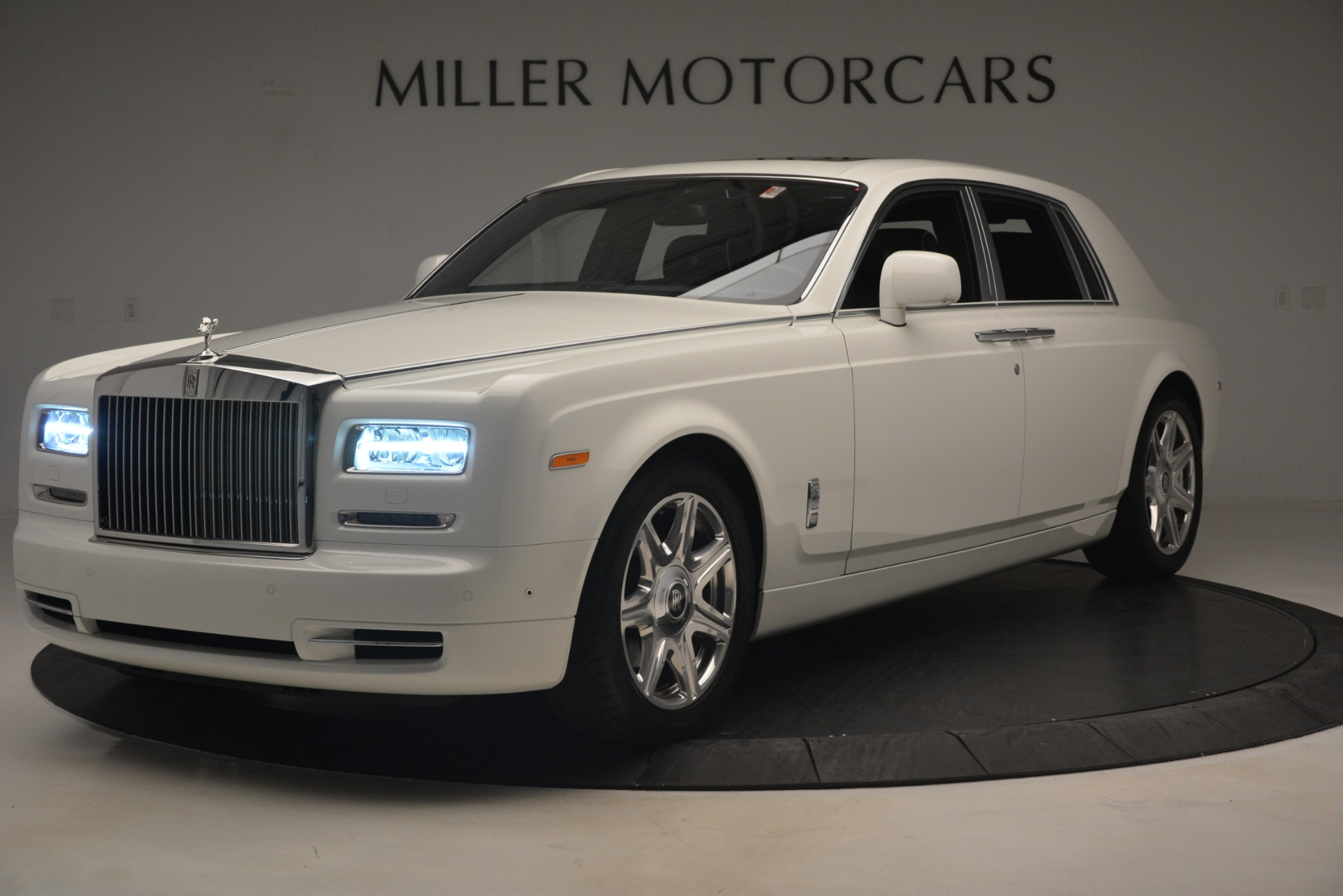Used 2014 Rolls-Royce Phantom for sale Sold at Aston Martin of Greenwich in Greenwich CT 06830 1