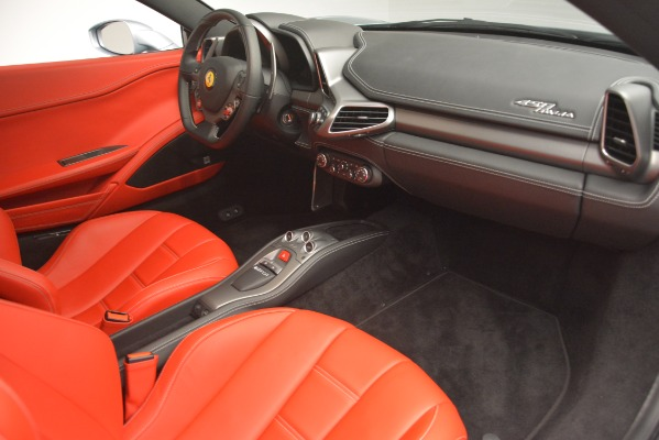 Used 2015 Ferrari 458 Italia for sale $215,900 at Aston Martin of Greenwich in Greenwich CT 06830 17