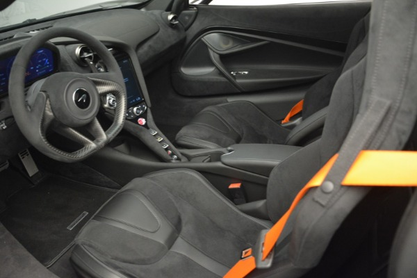 New 2019 McLaren 720S Coupe for sale $351,470 at Aston Martin of Greenwich in Greenwich CT 06830 16
