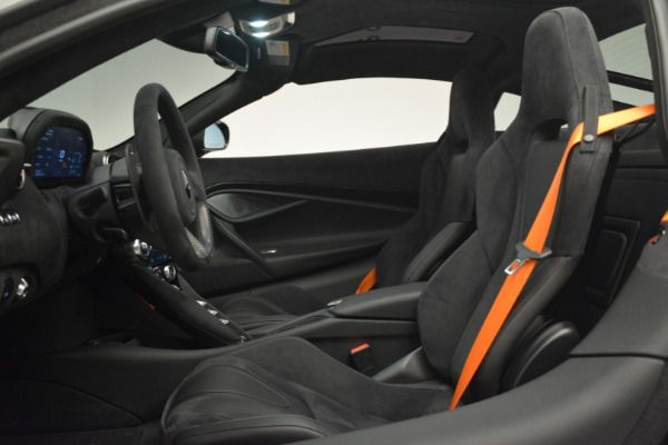 New 2019 McLaren 720S Coupe for sale $351,470 at Aston Martin of Greenwich in Greenwich CT 06830 17