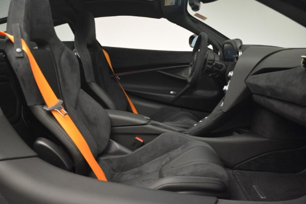 New 2019 McLaren 720S Coupe for sale $351,470 at Aston Martin of Greenwich in Greenwich CT 06830 20