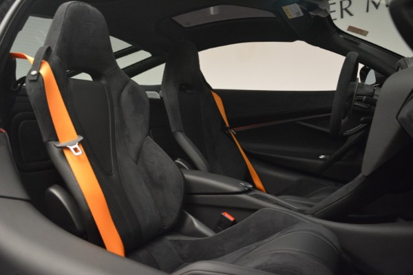 New 2019 McLaren 720S Coupe for sale $351,470 at Aston Martin of Greenwich in Greenwich CT 06830 21