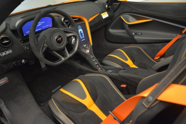 New 2020 McLaren 720S Spider for sale Sold at Aston Martin of Greenwich in Greenwich CT 06830 24