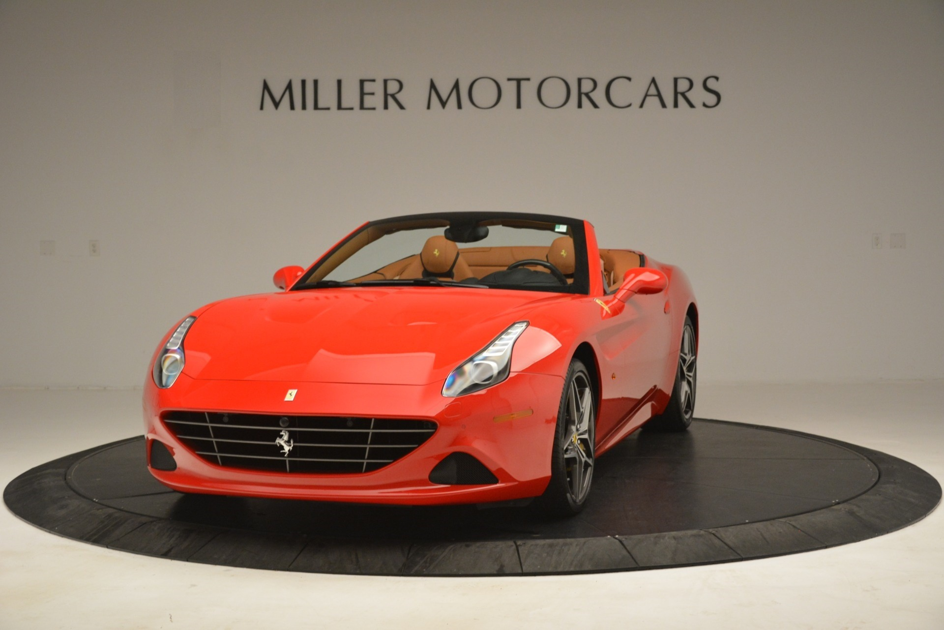 Used 2017 Ferrari California T Handling Speciale for sale $174,900 at Aston Martin of Greenwich in Greenwich CT 06830 1