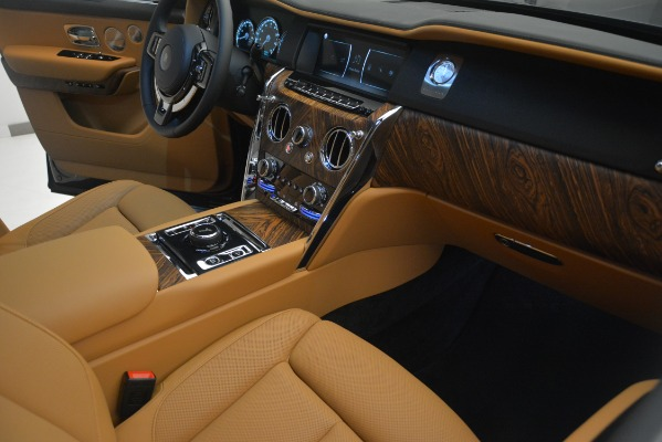 Used 2019 Rolls-Royce Cullinan for sale Sold at Aston Martin of Greenwich in Greenwich CT 06830 24