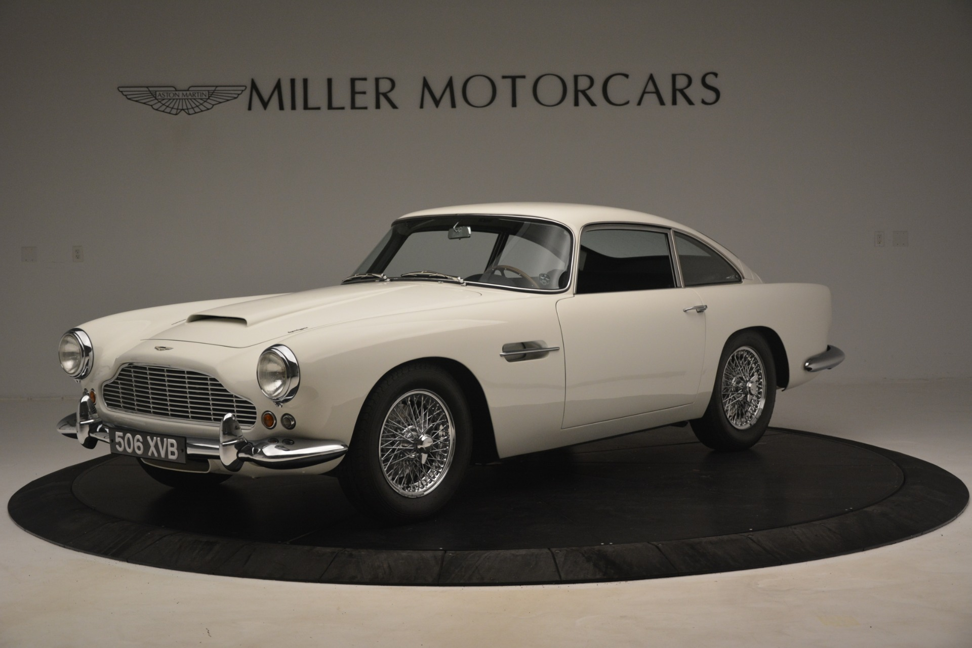 Used 1961 Aston Martin DB4 Series IV Coupe for sale $625,900 at Aston Martin of Greenwich in Greenwich CT 06830 1