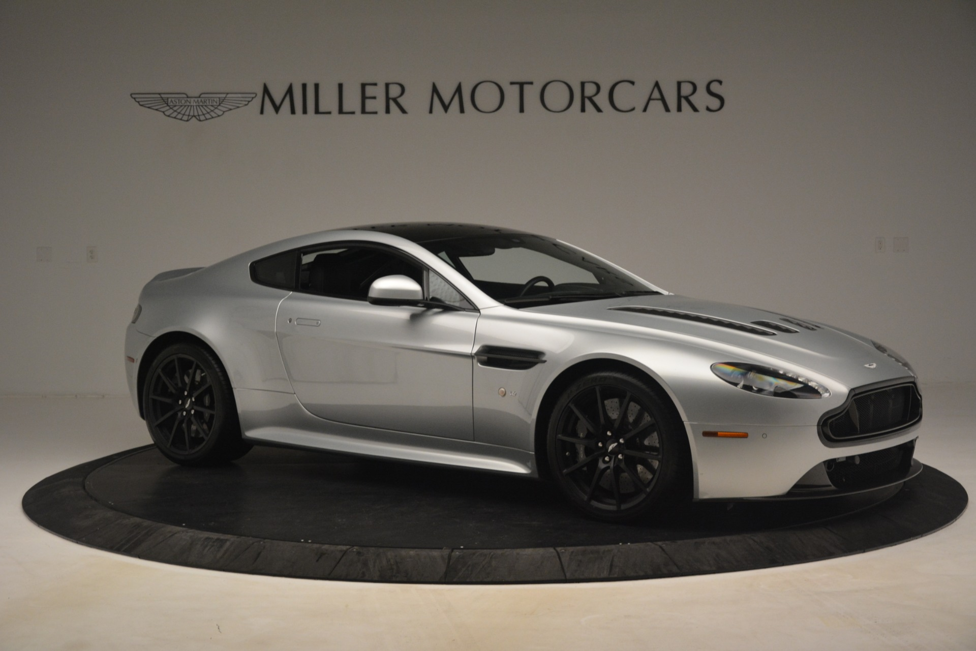 Pre Owned 2015 Aston Martin V12 Vantage S Coupe For Sale Special Pricing Aston Martin Of Greenwich Stock 7577