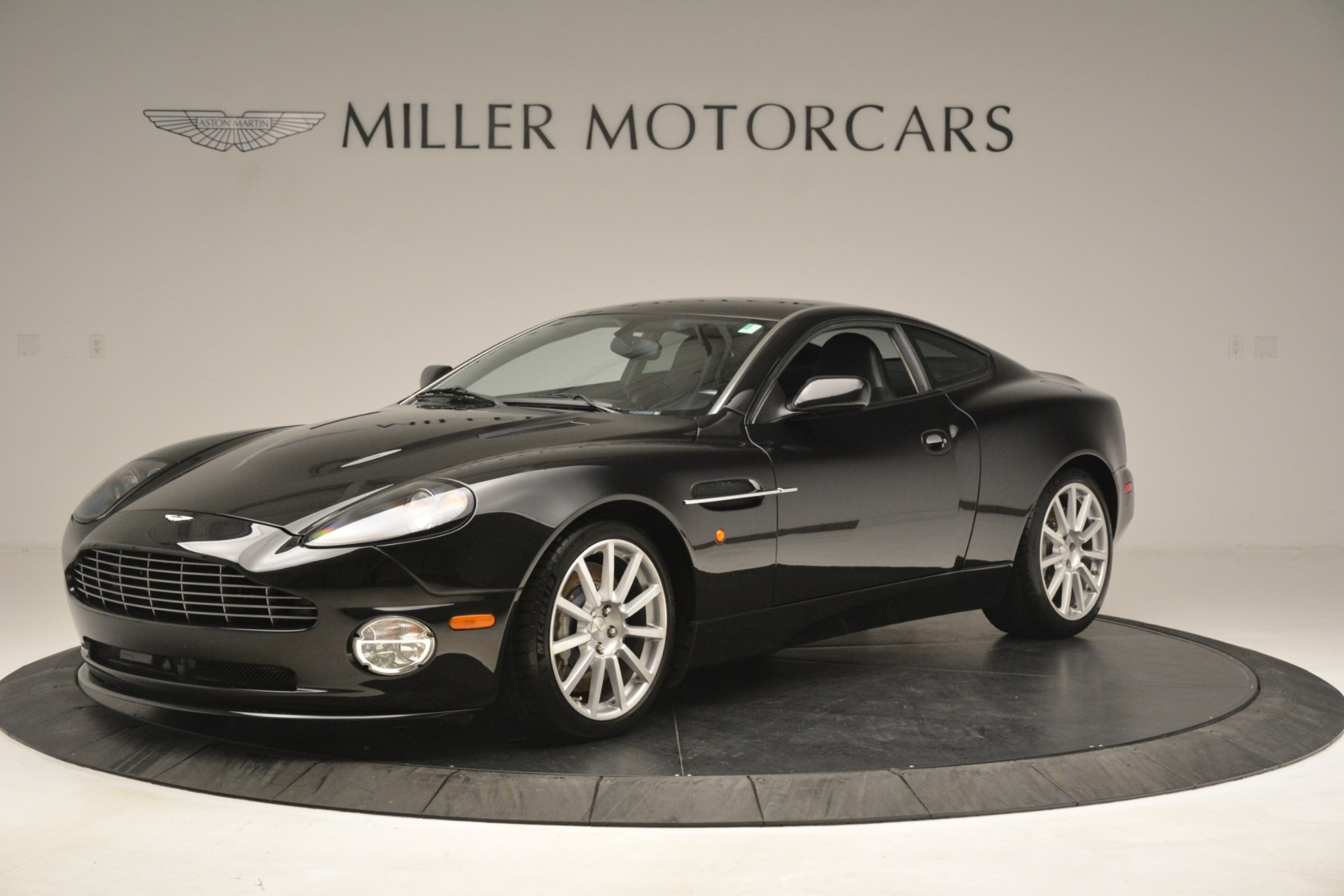 Used 2005 Aston Martin V12 Vanquish S Coupe for sale $95,900 at Aston Martin of Greenwich in Greenwich CT 06830 1