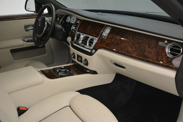 Used 2016 Rolls-Royce Ghost for sale Sold at Aston Martin of Greenwich in Greenwich CT 06830 17
