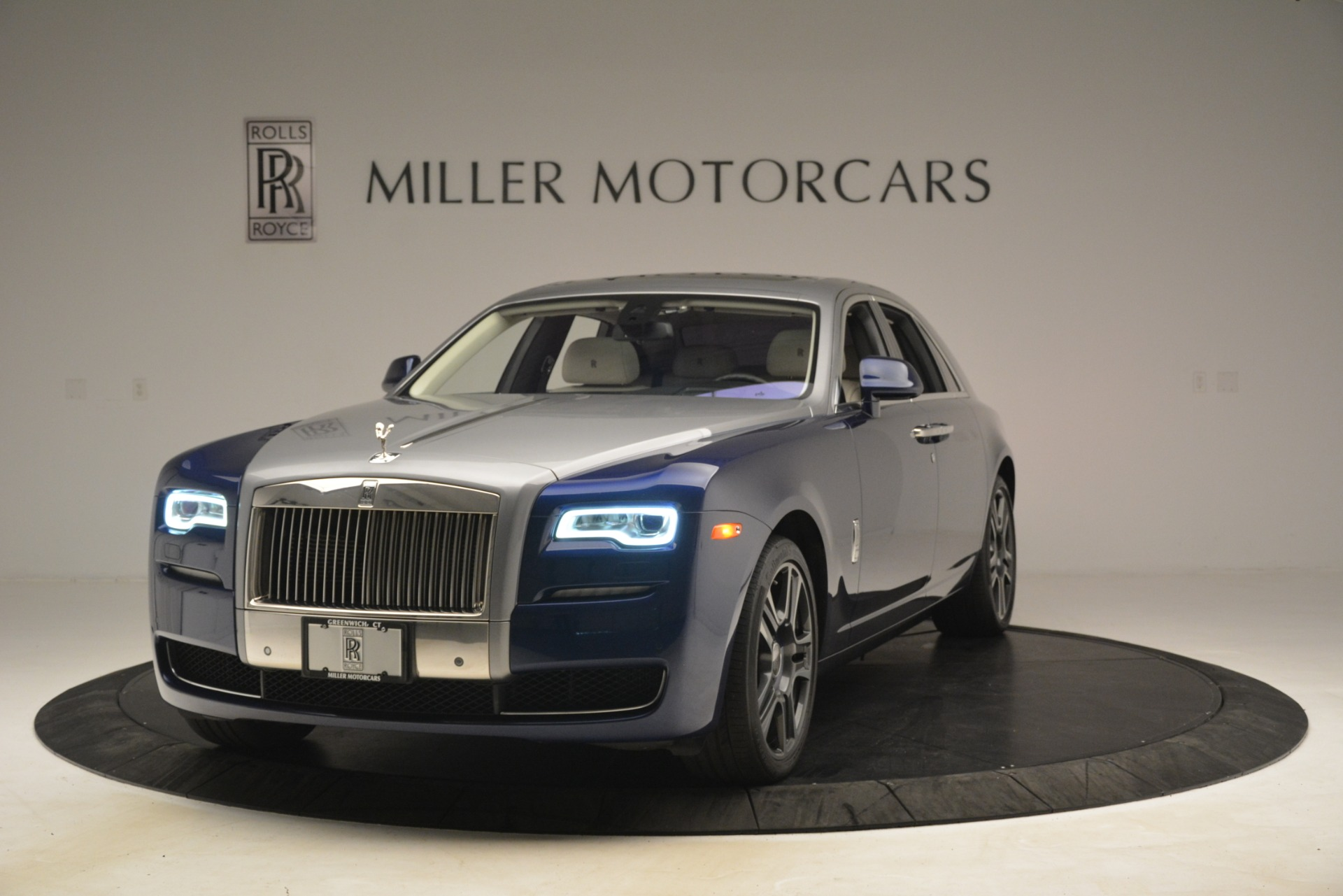 Used 2016 Rolls-Royce Ghost for sale $169,900 at Aston Martin of Greenwich in Greenwich CT 06830 1