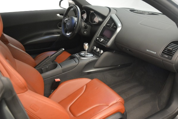 Used 2009 Audi R8 quattro for sale Sold at Aston Martin of Greenwich in Greenwich CT 06830 16