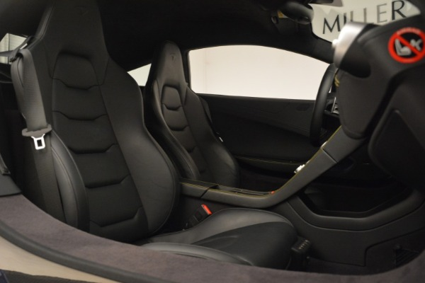 Used 2015 McLaren 650S Coupe for sale $139,900 at Aston Martin of Greenwich in Greenwich CT 06830 26