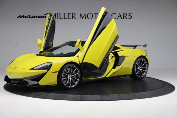 New 2019 McLaren 570S SPIDER Convertible for sale $227,660 at Aston Martin of Greenwich in Greenwich CT 06830 18