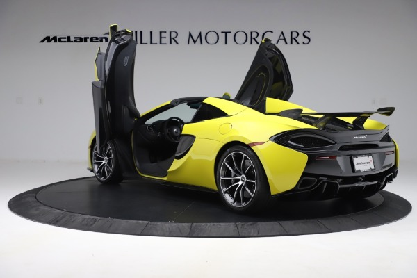New 2019 McLaren 570S SPIDER Convertible for sale $227,660 at Aston Martin of Greenwich in Greenwich CT 06830 19