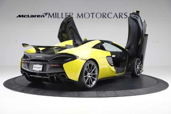 New 2019 McLaren 570S SPIDER Convertible for sale $227,660 at Aston Martin of Greenwich in Greenwich CT 06830 21